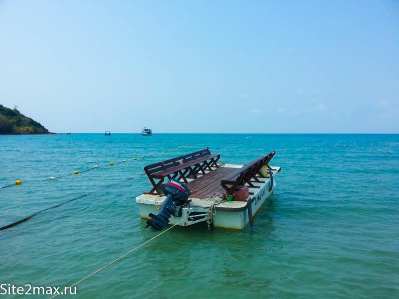 Лодки для выезда на дайвинг, только увидел такие открытые с седушками