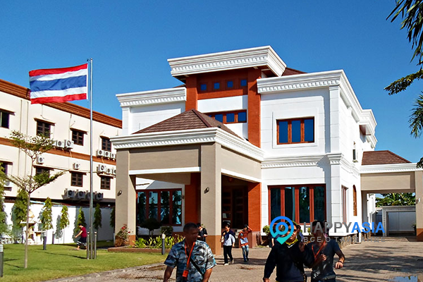 В Лаос за визой дешево: продлеваем тайскую визу