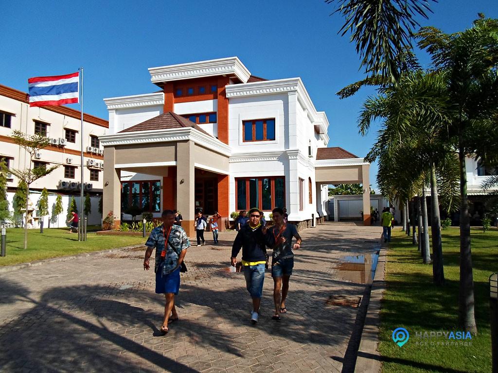 Тайское посольство в Лаосе