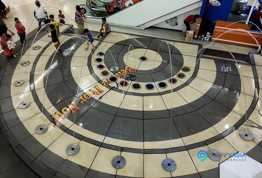 Центра Рипли в Паттайе