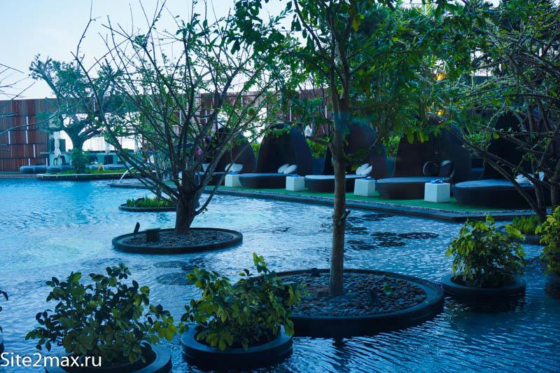 Бассейн в Хилтон Паттайя