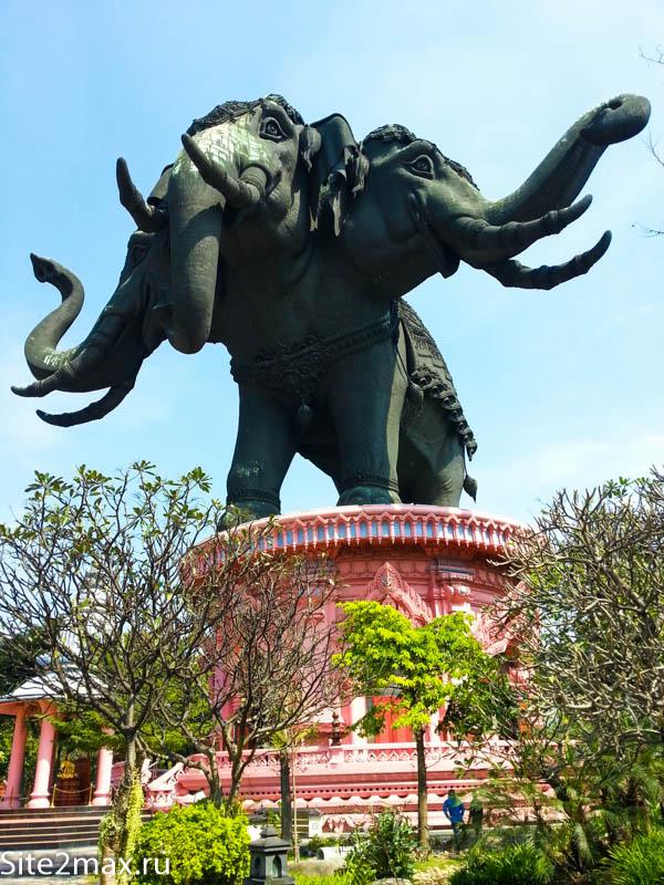 Трехголовый слон Эраван