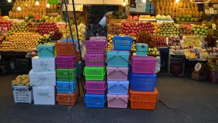 Специальные Корзинки для провоза фруктов продаются на рынках