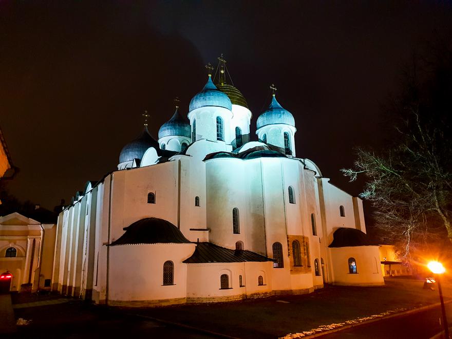 Софийский Собор в Великом Новгороде: про древние графити и старинные ворота