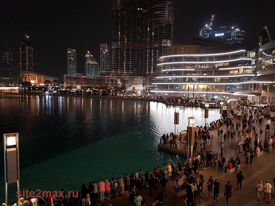 Фото на фонтаны Дубая с обзорной площадки в Дубай моле