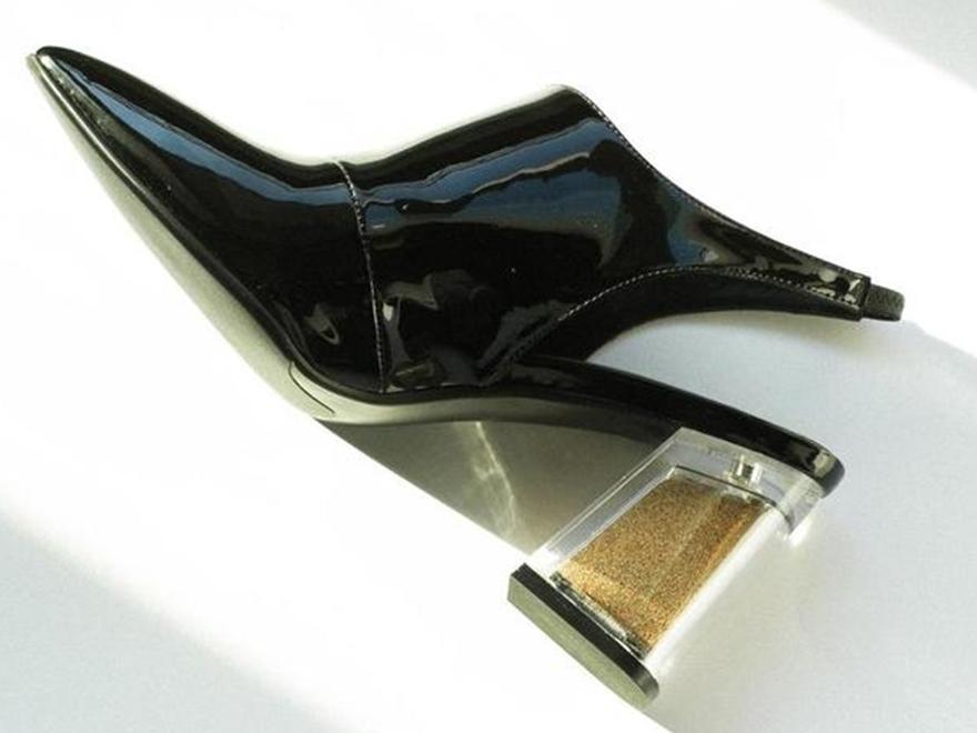 Фото дизайнерских туфель в Дубай Молле