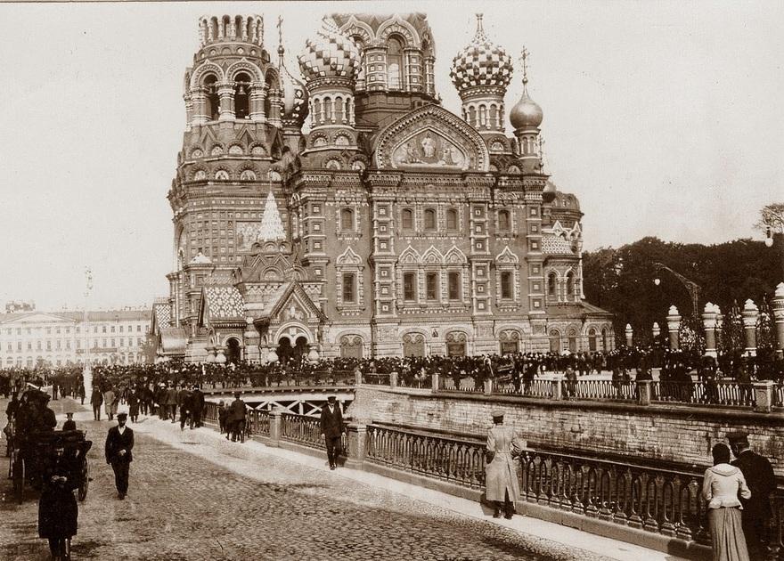 Собор во время войны